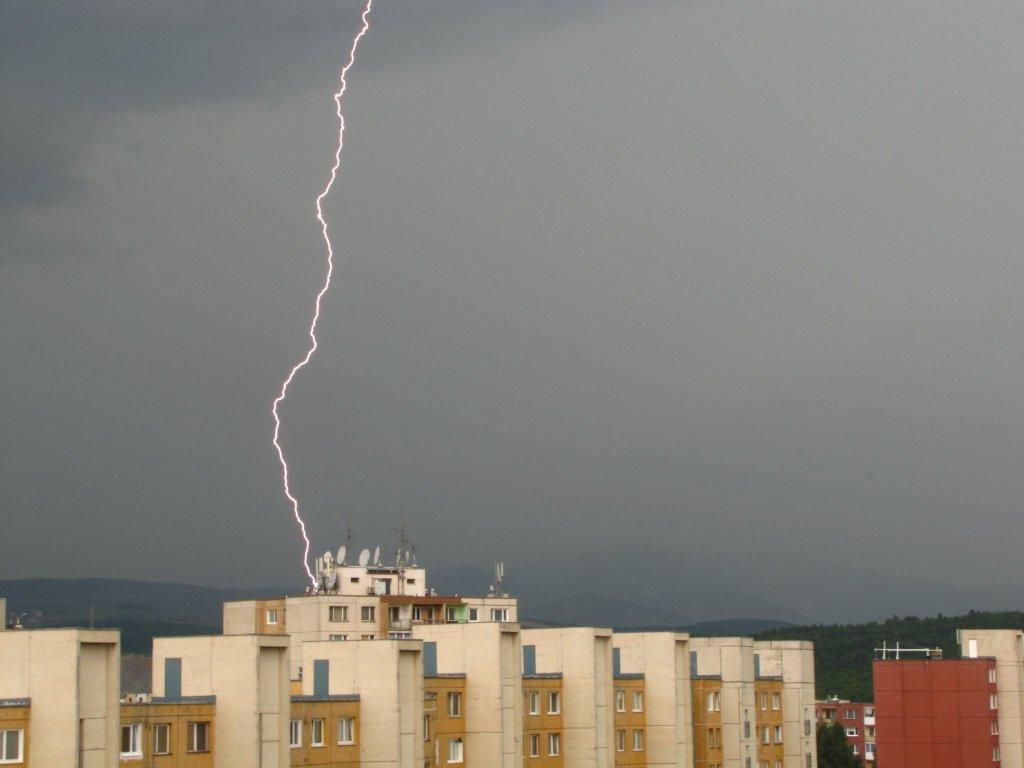 Búrka nad hlavnou stanicou v Košiciach
